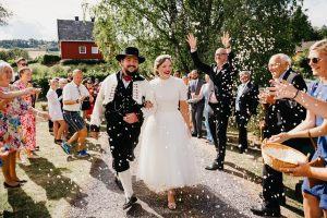 Ingeborg og Mats – Hagebryllup på Jaren, en skikkelig sommerfest!