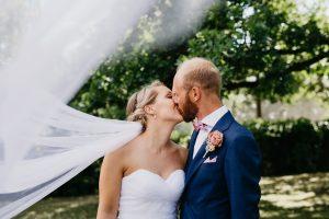 Mari og Stig, Nes kirke og bryllupsfest på Hotell Hadeland