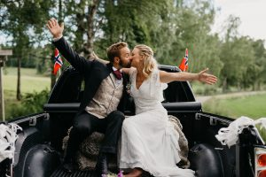 Nina og Johannes – Hagebryllup i Sørkedalen og vielse i Sørkedalen kirke