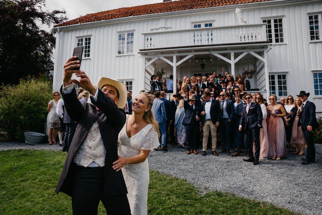 Blogg_Nina+Johannes,sørkedalen,hagebryllup,cowboytema,cowboybryllup,bryllup,sankthansaften,sankthansbryllup,bryllupstelt-61