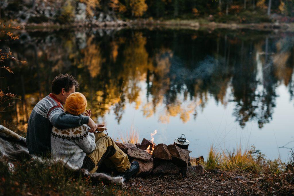 Maiken+KimRoar - skogstur, bål, campfire, engaged, engagement session, norwegian shoot, hengekøye, hammock, kjærestefotografering, forlovet - 18