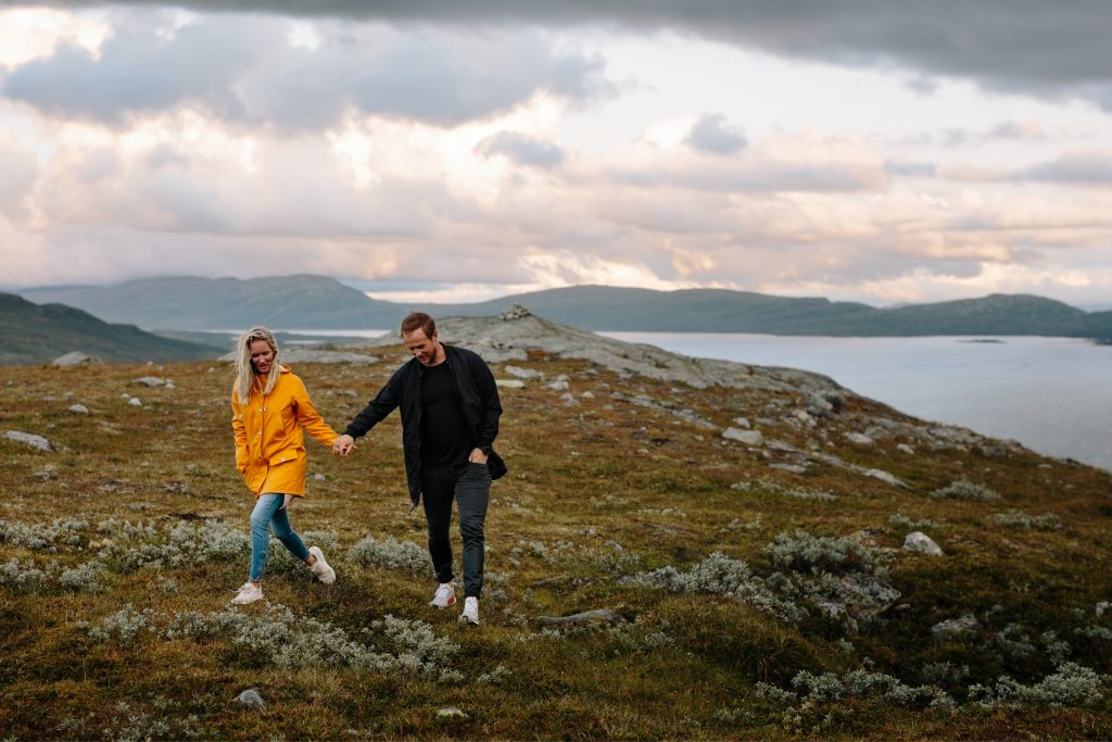 LUNDE FOTO_Valdres,Fjell,moutaintop,elopement,couple,shoot,norway,windy,norwegian,maountain-10